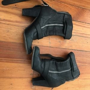 Chloe ( made in Italy) used heeled boots